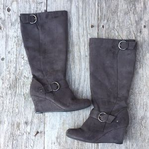 Heeled boots   Apostrophe